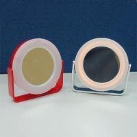 Wholesale Compact Mirrors with 3x Magnifying Function and 2 x AAA Battery from china suppliers