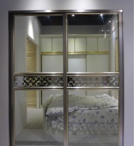 China Modern Design Aluminium Frame Glass Door Soundproof Commercial Sliding Doors on sale