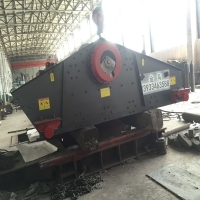 Wholesale Mining Processing Vibratory Screening Equipment , Vibrating Screen Crusher from china suppliers