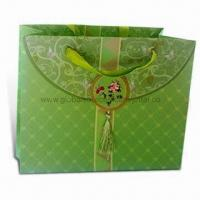 Wholesale Paper Gift Bag with Glossy Lamination and Offset Printing, OEM Orders are Welcome from china suppliers