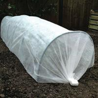 China Ground Cover PP Agriculture Non Woven Fabric Soil Moisture Distribution on sale