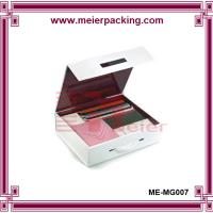 China Handle closure garment packaging paper box/Custom birthday paper gift box ME-MG007 on sale