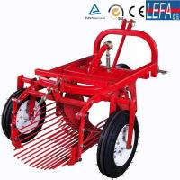 Buy cheap Farm Machinery Small Tractor Single Row Potato Harvester from wholesalers